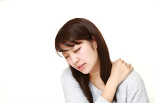 頭痛・肩こり・五十肩などの肩の痛みのイメージ